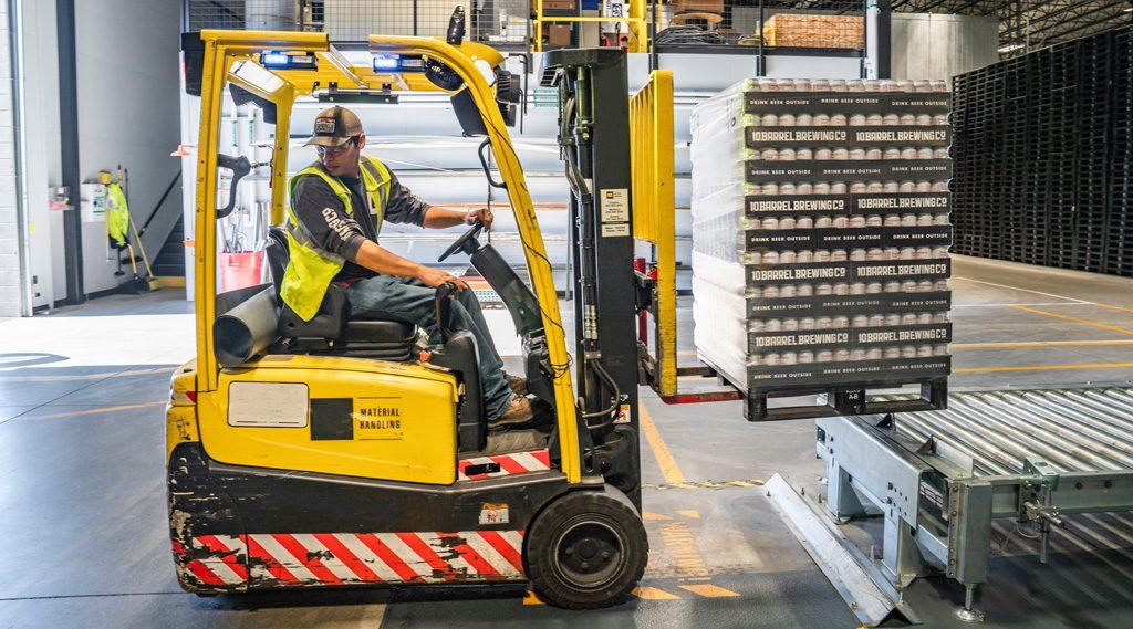 counterbalance-lift-warehouse-1024-1024x569